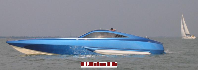 XSR 48 Superboat