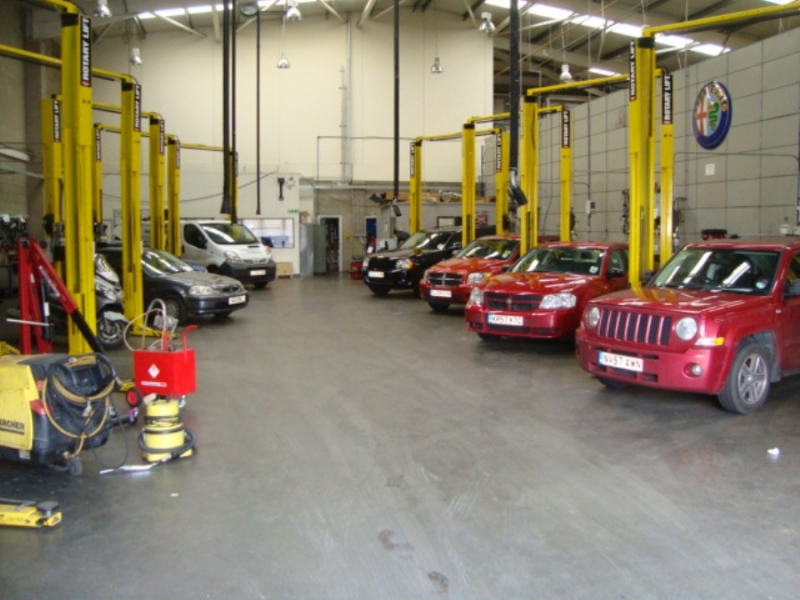 Sargent & Collins Car Garage - G J Wisdom Commercial Auctioneers (Bexley, London)