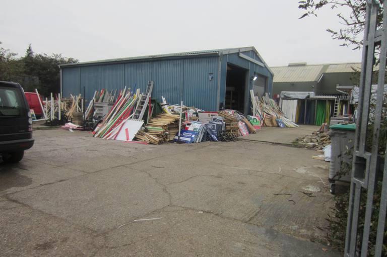 Rainham Warheouse & Yard